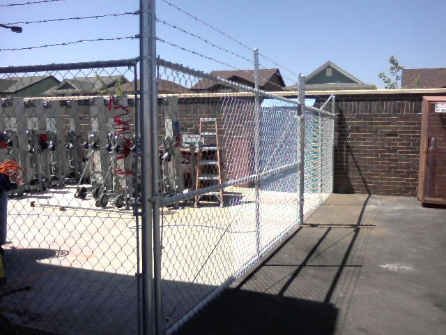 >Industrial Chain Link Fence with Barb Wire - Denver