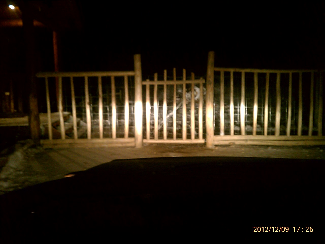 Custom Fences Decks Deck Enclosures And Porches